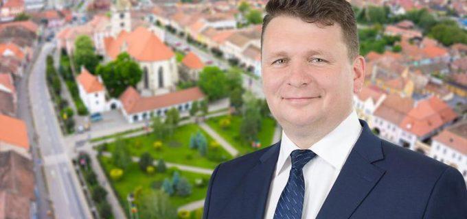 Primarul Municipiului Sebeș, Dorin Nistor, inițiază un REFERENDUM privind achiziția unui laborator mobil pentru monitorizarea calității aerului