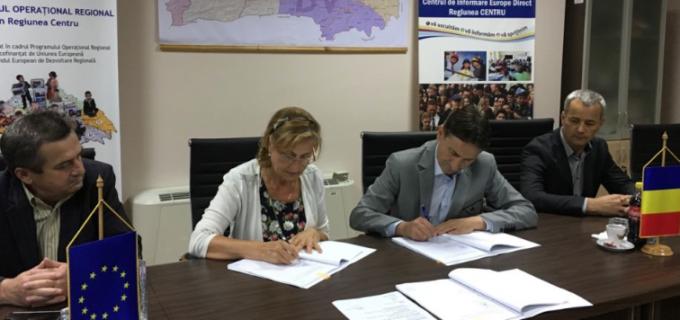 """Consiliul Județean Alba a semnat astăzi contratul de finanțare pentru reabilitarea drumului 107I """"Transalpina de Apuseni"""""""