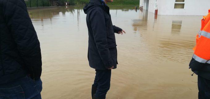 Ministrul delegat pentru Afaceri Europene, Victor Negrescu, în zonele afectate de inundații din județul Alba